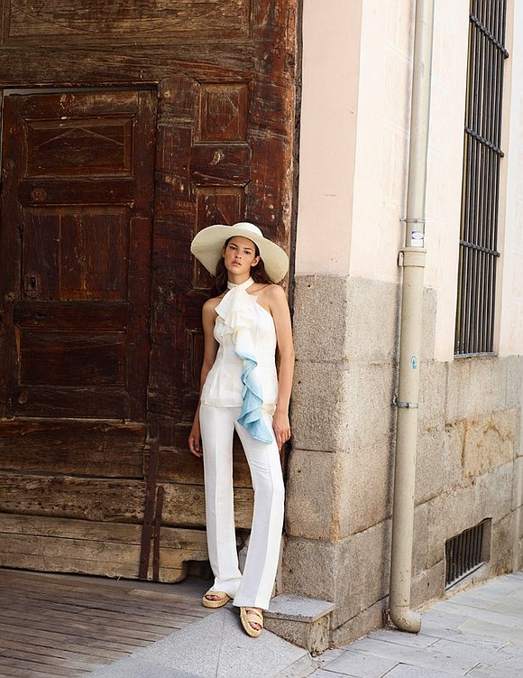With Spanish tradition and sophistication, designer Alejandra Alfonso Rojas defines casual luxury. Her clothes are influenced by her modern life ...