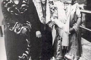 Three African American women in Harlem during the Harlem Renaissance, ca. 1925