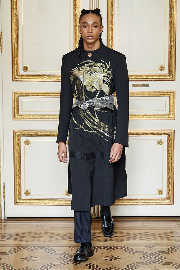 In Paris, France, New York fashion brand Hiromi Asai presented a magnificent fall/winter 2020/'21 menswear collection at the Salons de ...