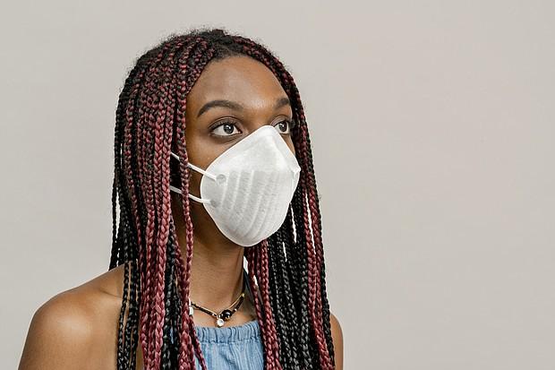 Woman wearing mask, Coronavirus/COVID-19