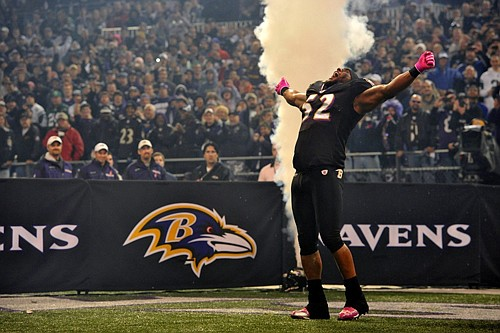 Seven seasons have passed since the last time Hall of Fame linebacker Ray Lewis suited up for the Baltimore Ravens.
