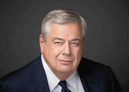 Robert L. Dilenschneider