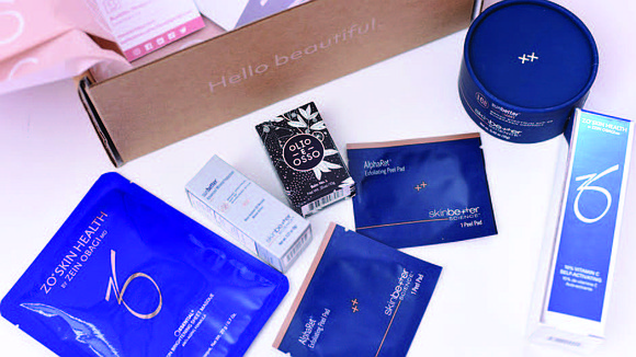 The Skin Clique, a skincare company headquartered in South Carolina, recently announced the national launch of the Beauty Knocks Box: ...