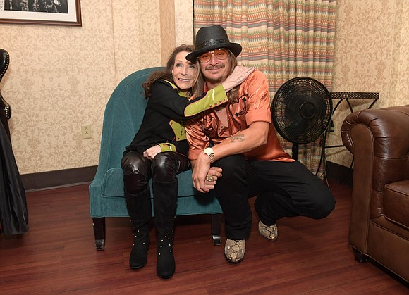 It was a weekend filled with love for Loretta Lynn and Kid Rock, but not in the way many believed.