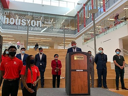 Mayor Sylvester Turner announces the Mayor's Early Vote College Challenge at the University of Houston on the first day of early voting.
