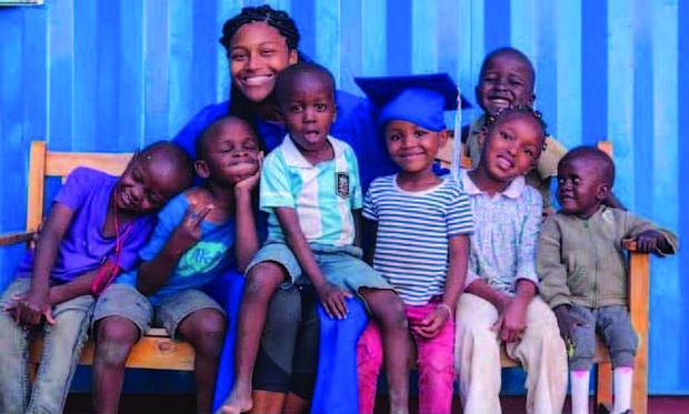 Sophia Andrews Takes High School Graduation Pics With Children