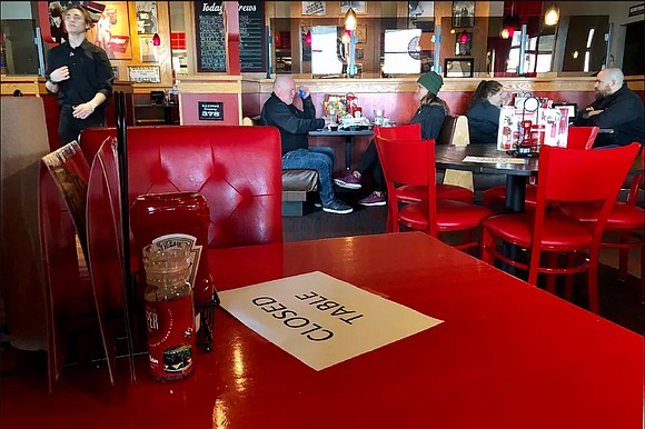 Licensed restaurants in Multnomah County were given the green light Monday to begin applying for small business grants to help ...