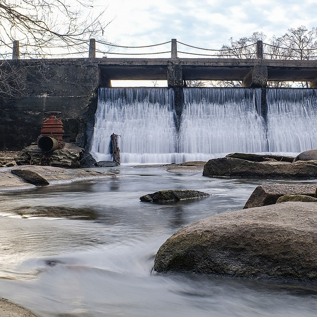 Dam in Bryan Park