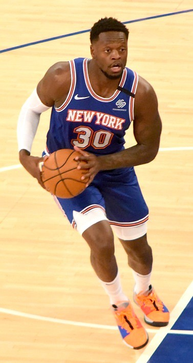 Julius Randle put an exclamation point on his spectacular performance at Madison Square Garden on Monday night by draining an ...