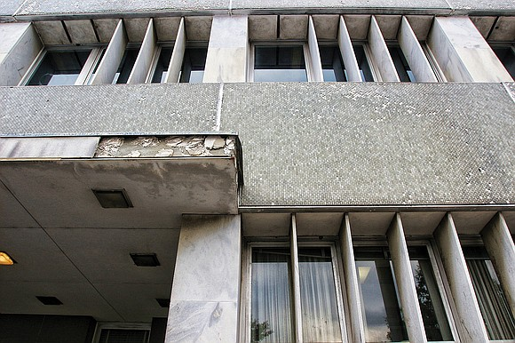 City Hall's proposal to sell off the decrepit, 64-year-old Public Safety Building in Downtown to a private group seeking to ...