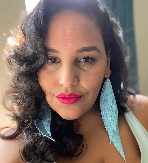 Leslé Honoré is known for her poems about Meghan Markle, Vice President Kamala Harris and Serena Williams. The Blaxican artist, ...