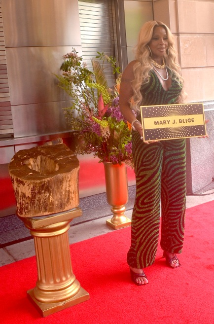 Mary J. Blige inducted into Apollo Theater's Walk Of Fame