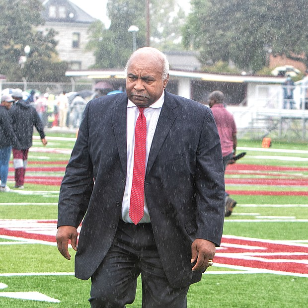 Mr. Lanier, a professional football hall of fame who grew up at Hovey Field as a student of Maggie L. Walker High School, was recognized for leading efforts to renovate the field and stadium.