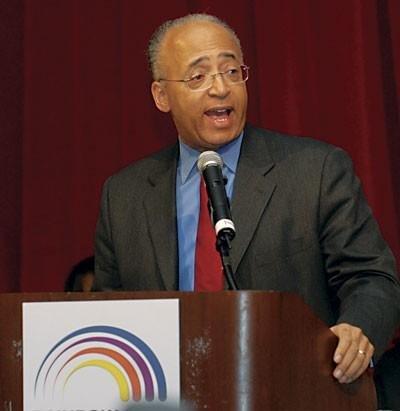On Tuesday, May 7, Bronx Borough President Ruben Diaz Jr. endorsed Bill Thompson for mayor...