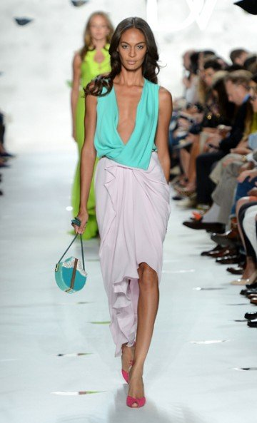 Color-wise, Diane Von Furstenberg's (DVF) spring '13 collection is on fire and fabulous! Her looks...