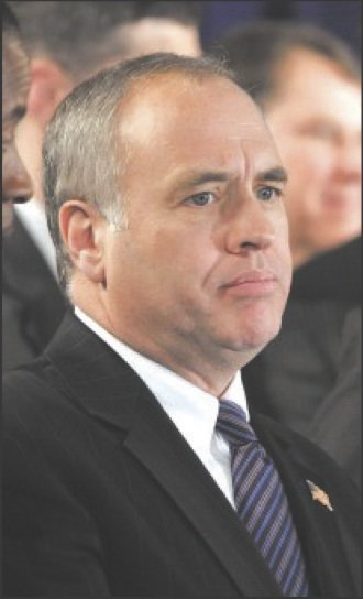 New York State Comptroller Tom DiNapoli is joining the chorus about the MTA being cash-strapped and in need of help ...